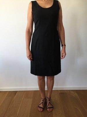 Klassisch edles Kleid von Strenesse