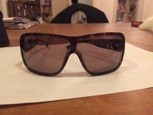klassisch elegante GUCCI Sonnenbrille, angenehmes Licht