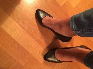Klassisch Schwarze Lederpumps