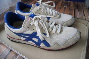 klassische Asics Sneaker