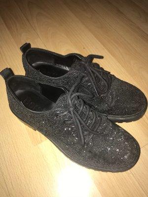 Klassische Bershka Schuhe mit Glitter in Größe 36