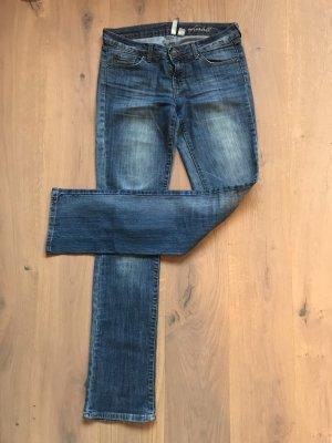 Klassische Blue Jeans von Mango, Modell Scarlett