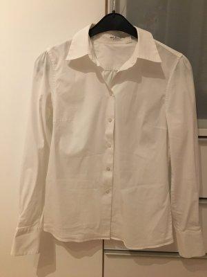 Klassische Bluse in weiß