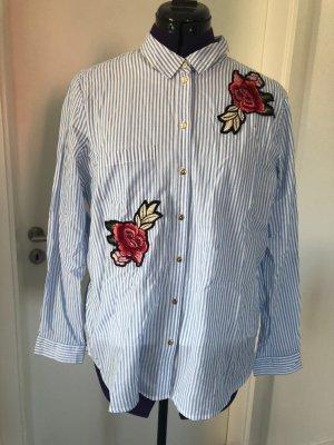 Klassische Bluse mit trendigen Patches