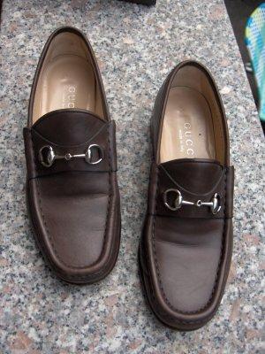 Klassische braune Gucci Loafers