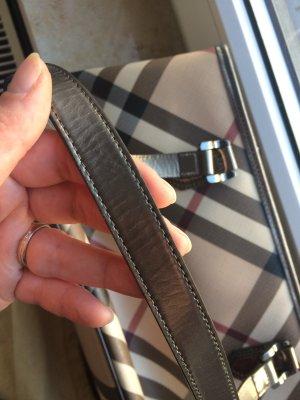 Klassische Burberry Handtasche