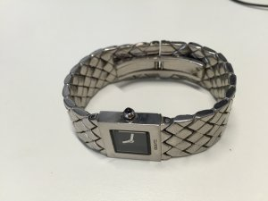 Klassische Chanel Armbanduhr