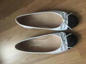 Klassische Chanel Ballerinas weiß mit schwarz Gr. 35