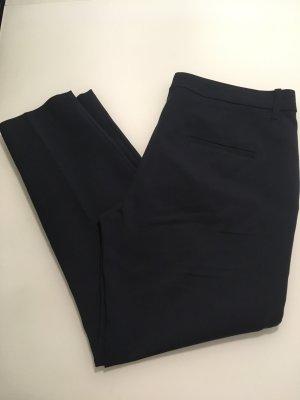klassische dunkelblaue Stoffhose