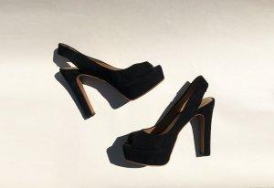 Klassische Heels aus schwarzem Wildlederimitat