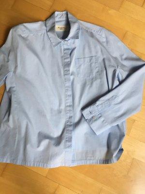 Klassische Hemdbluse in kurzer Form