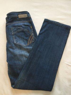 Klassische Jeans in dunkelblau von Cecil