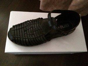 Klassische Leder-Sandalen in dunkelbraun, Sandalenklassiker aus Portugal