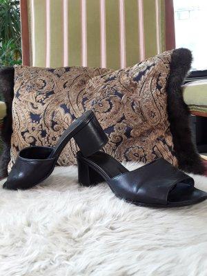 Sandalias con tacón negro Cuero