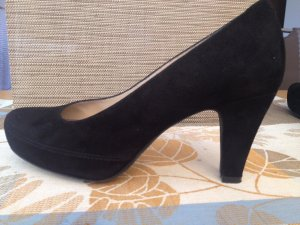 Unisa Platform Pumps black suede