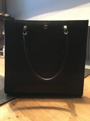 Klassische schwarze Bag von Coccinelle