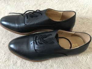 Klassische schwarze Schnürschuhe von Kiomi in Gr. 38 *ungetragen*