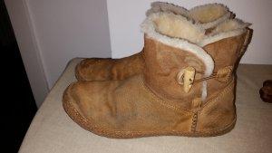 UGG Australia Snow Boots white-camel fur