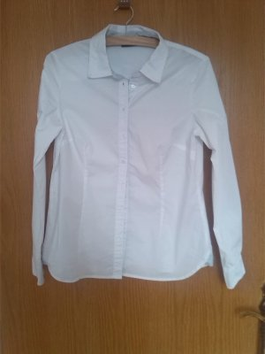 Klassische weiße Bluse