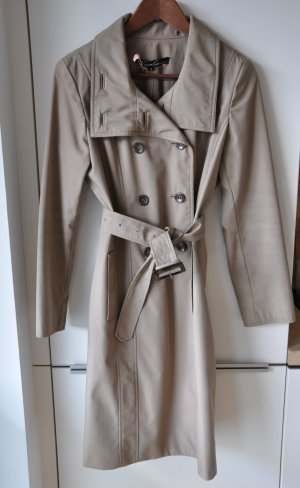Klassischer beiger Trenchcoat // Mantel // im Stil von Burberry