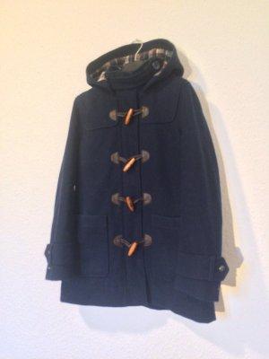 Klassischer dunkelblauer Dufflecoat mit Kapuze