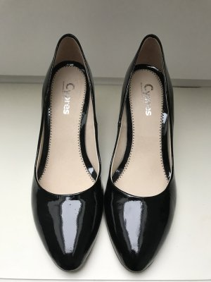 Cypres Pointed Toe Pumps black leather