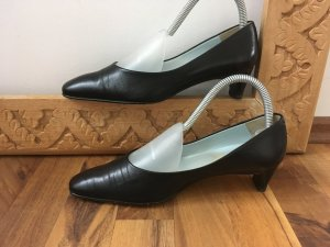 Claudio Pumps black