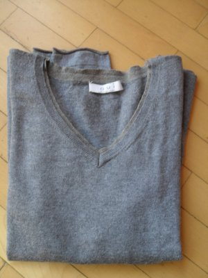 V-Neck Sweater grey wool