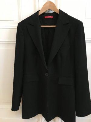 Klassischer schwarzer Blazer