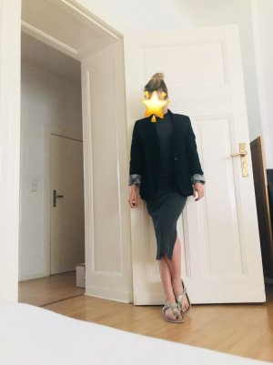 Klassischer schwarzer Blazer Boyfriend-Style
