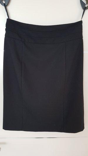 klassischer schwarzer Rock H&M Gr. 40