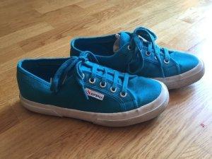 klassischer Superga Sneaker blau Gr. 38