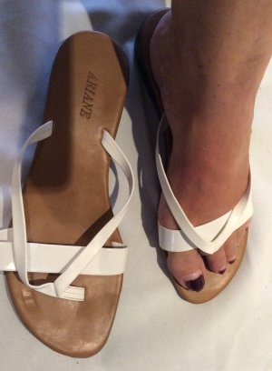 Ariane High-Heeled Toe-Post Sandals white