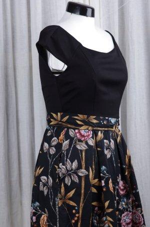 Klassisches A-Linien Kleid mit schön fallendem Rock