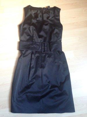 Klassisches Etuikleid schwarz von H&M