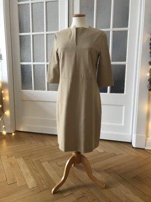 Klassisches Kleid von COS