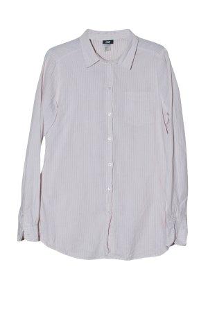 klassisches nadelstreiftes Hemd