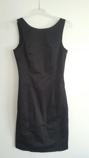 Klassisches schwarzes Kleid von Manguun Gr. 34