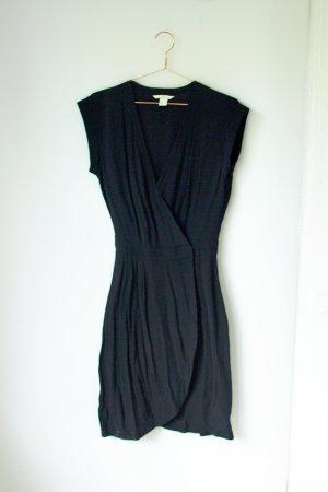 klassisches schwarzes Wickelkleid von H&M 40 knielang Midi