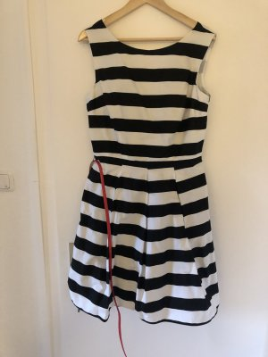 C&A Babydoll Dress black-white