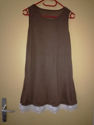 Vestido playero blanco-marrón grisáceo