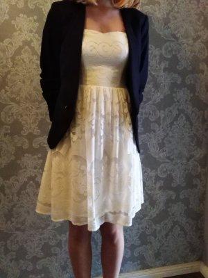 Robe à corsage blanc