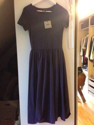 Kleid 36 in dunkelblau - neu mit Etikett ;)