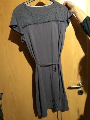 Robe en maille tricotées gris ardoise-bleu pâle