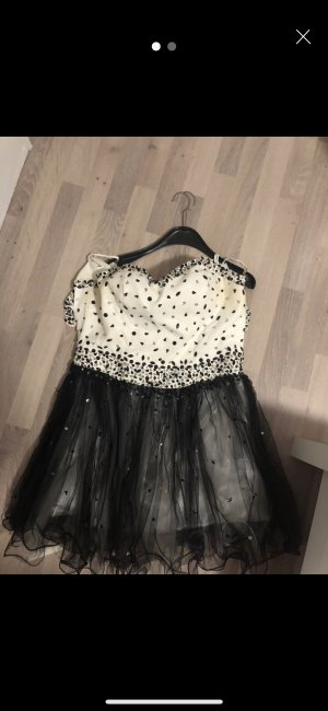 Ball Dress white-black