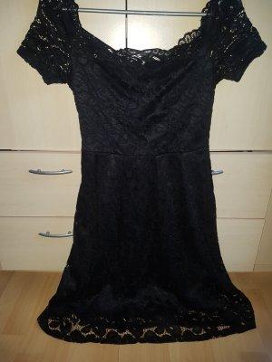 100% Fashion Off the shoulder jurk zwart