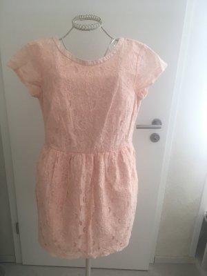 Kleid Apricot mit Spitze