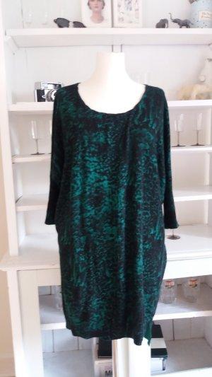 Kleid aus Baumwoll-Feinstrick bedruckt