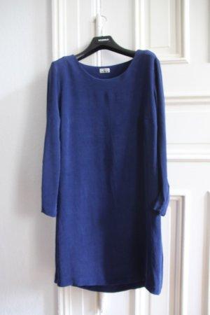 Kleid aus Crepe-Seide, Closed