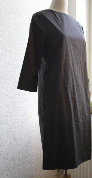 Kleid aus feiner Baumwolle